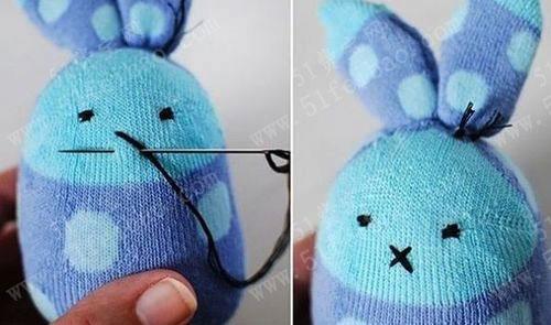 兔子娃娃 简单的袜子娃娃小兔子制作方法