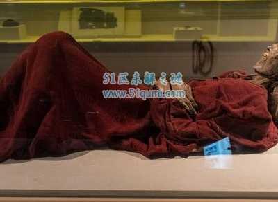 清朝发生的事件 世界十大奇异事件百年清朝古尸竟被毁尸灭迹